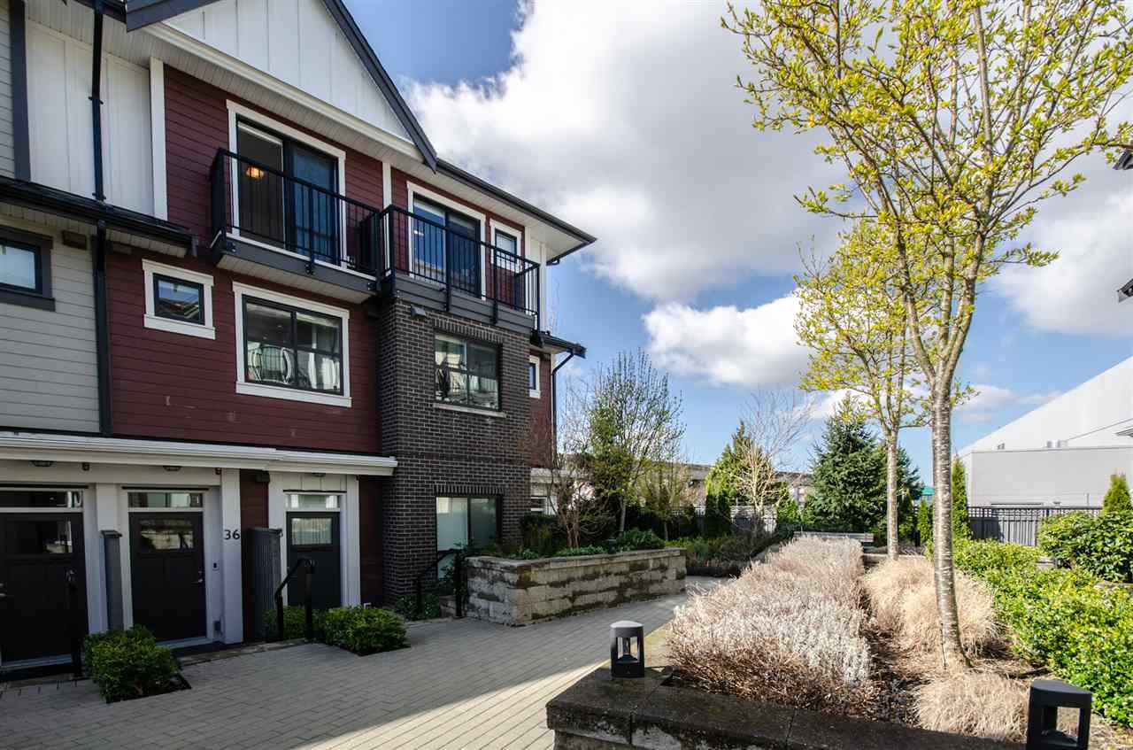 Burnaby, BC V5J 4N4, 2 Bedrooms Bedrooms, ,2 BathroomsBathrooms,Residential Attached,For Sale,MACPHERSON,R2558671