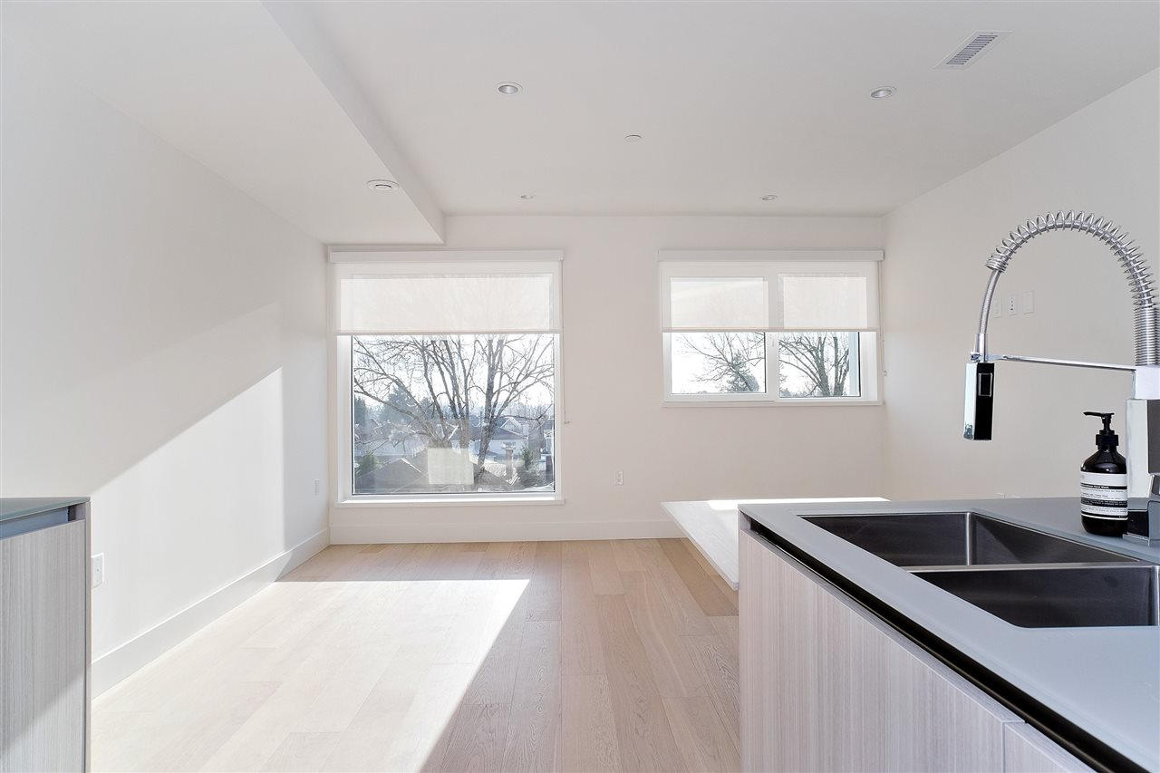 Vancouver, BC V5Y 0N1, 3 Bedrooms Bedrooms, ,3 BathroomsBathrooms,Residential Attached,For Sale,WOODSTOCK,R2558694